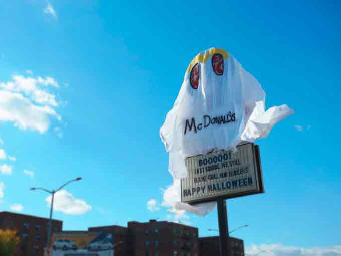 burger-king-vestido-mcdonalds-acao-halloween-4-680x510